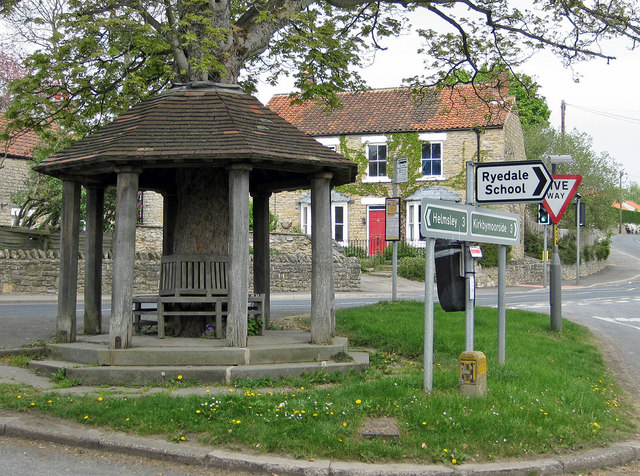 Beadlam Bus Shelter. Courtesy of geograph.org.uk.